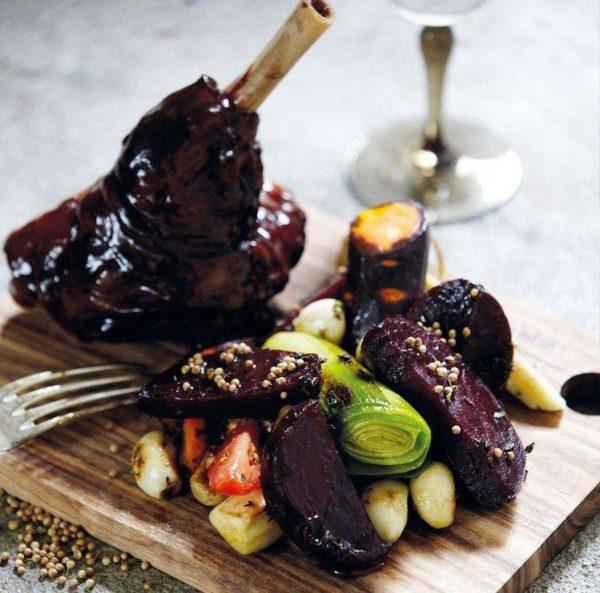 De plank is hét perfecte item om je maaltijd op te serveren!