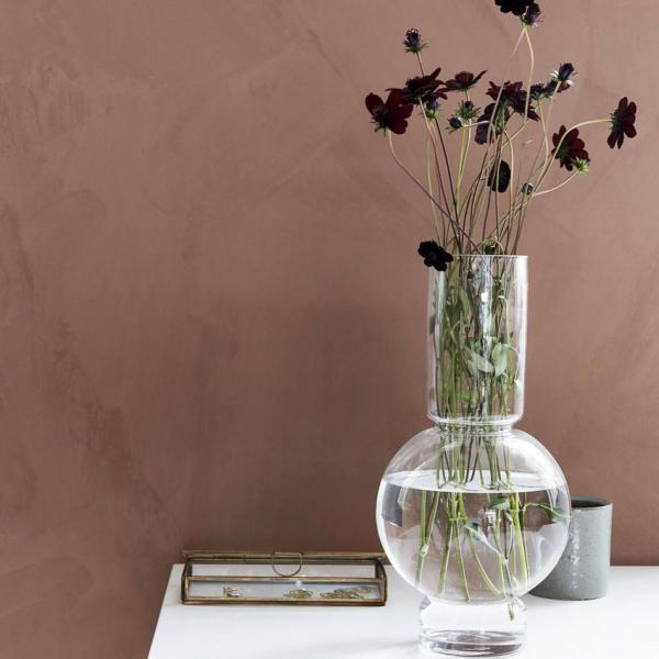 De vaas is prachtig in combinatie met bloemen