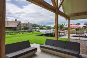 Loungebanken voor het vakantiehuis